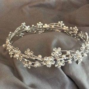David's bridal tiara/bun wrap NWOT